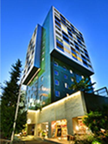 「ホテル&レジデンス六本木」開設