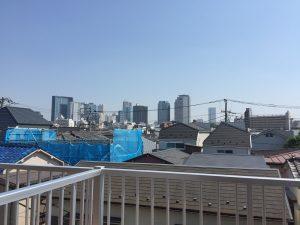 東中野テラス② ~新宿の高層ビルを望むアパート~
