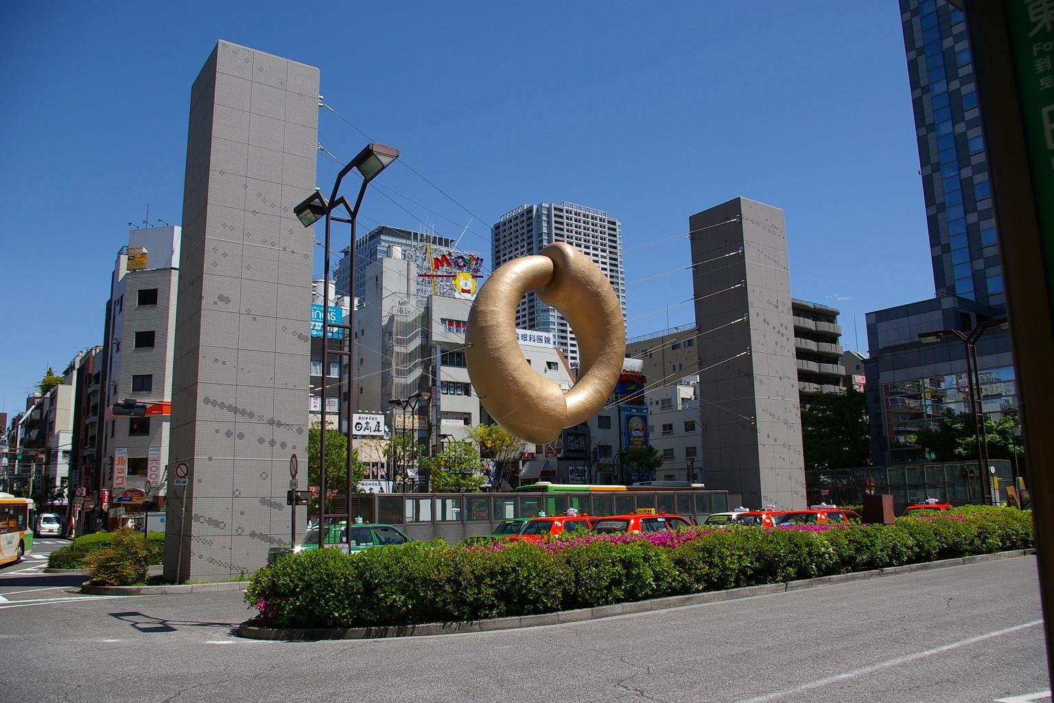 錦糸町駅北口のモニュメント