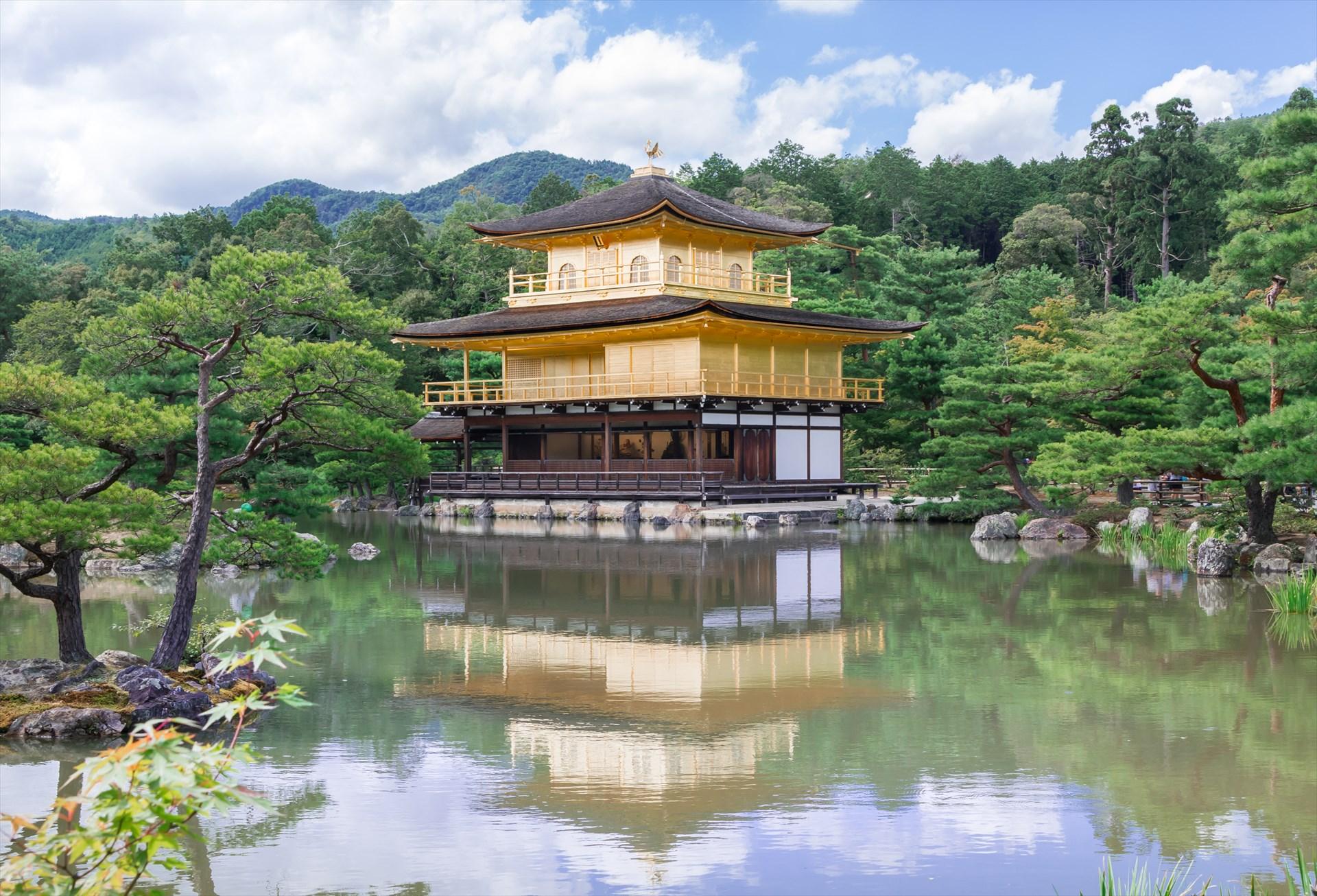 Kinkaku-ji_2015_R